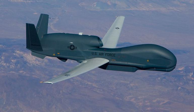 Ćwierć miliarda dolarów na drony typu Global Hawk