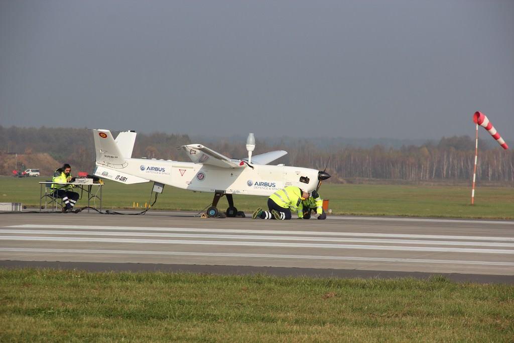 Technicy na pasie startowym, IT-AIR1, www.itwl.pl