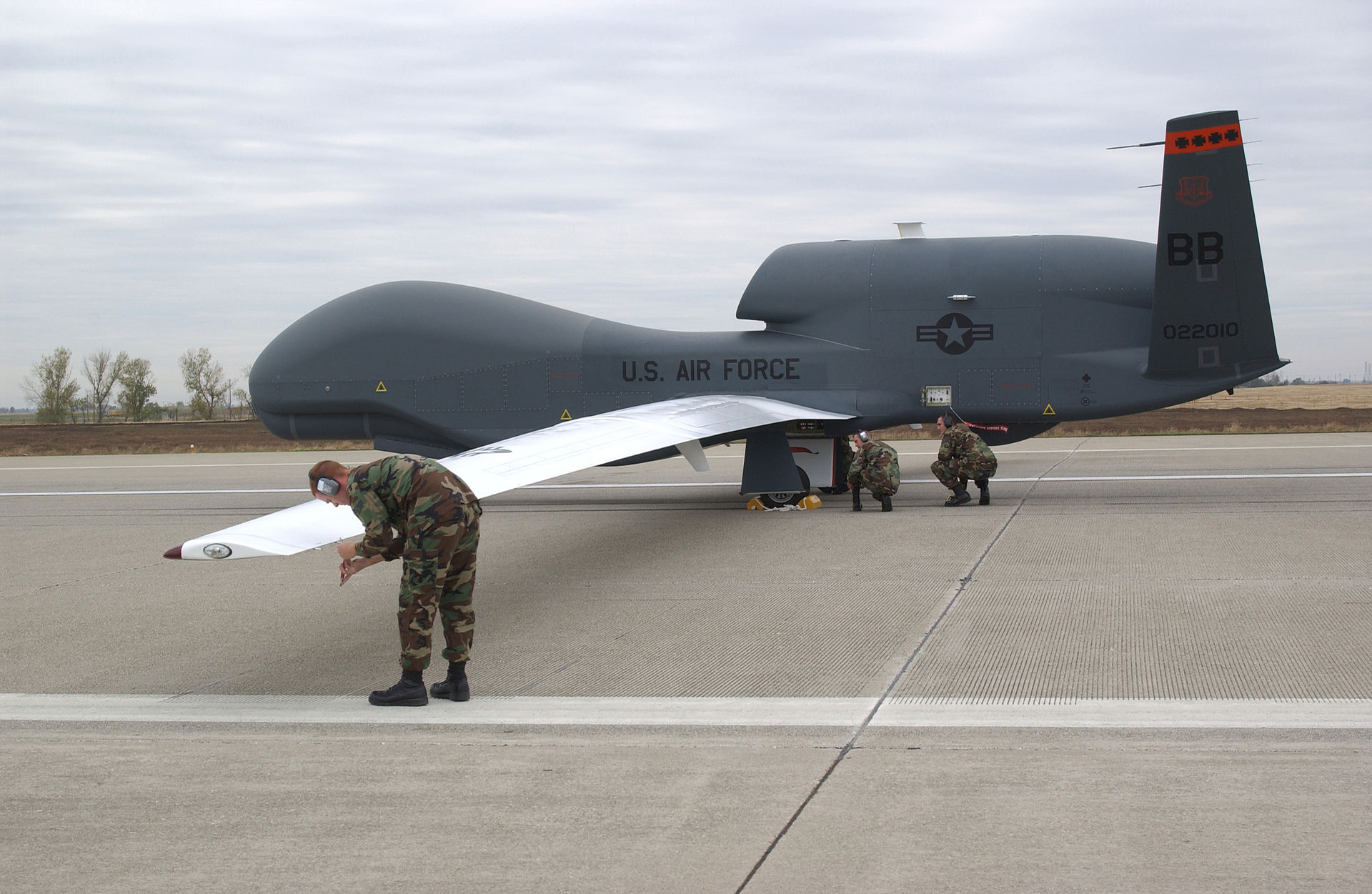 Global Hawk http://pl.wikipedia.org/wiki/RQ-4_Global_Hawk