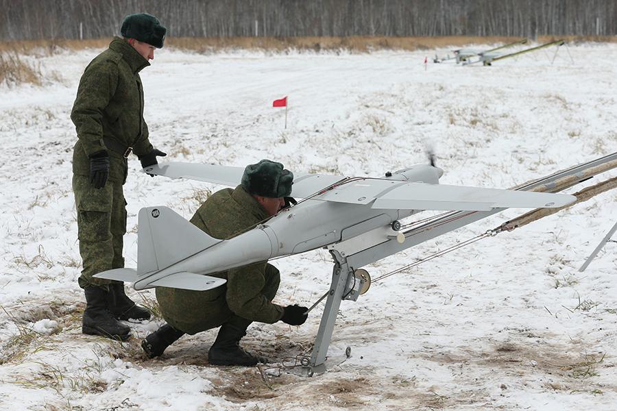 Orlan-10 przed startem z wyrzutni, fot: dronezine.it