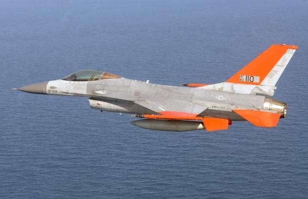 QF-16, fot: USAF
