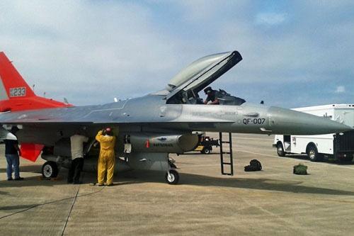QF-16 (QF007) po wylądowaniu w bazie Tyndall, fot: USAF