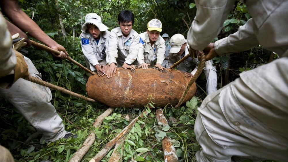 Bomba z czasów wojny, Laos, fot: thestack.com
