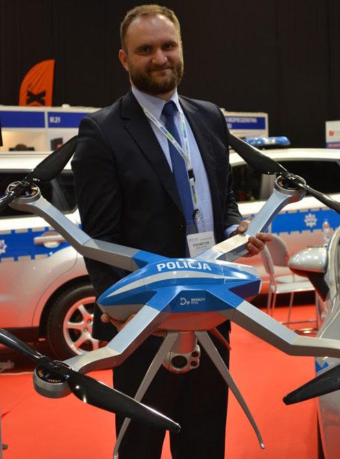 Prezentacja Ogara na Europoltech w barwach Policji.