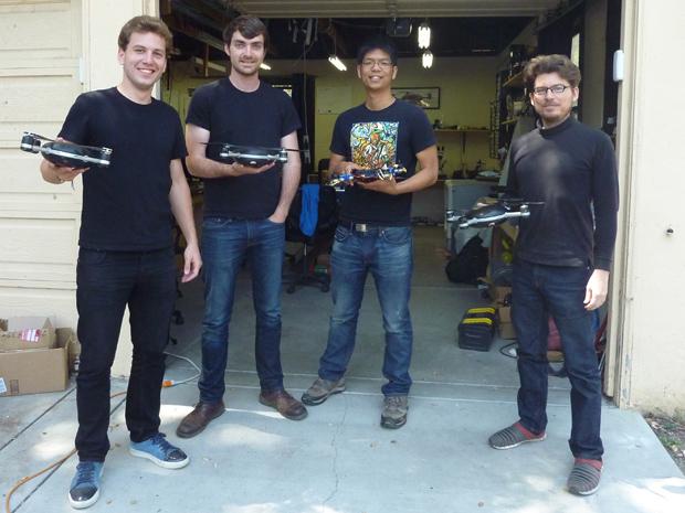 Lily Robotics, fot: Tekla Perry, od lewej Antoine Balaresque, Henry Bradlow, Nghia Ho, Robb Englin (brakuje Rolanda O'Flaherty)