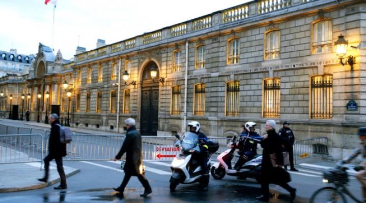 Dron nad Pałacem Elizejskim we Francji.