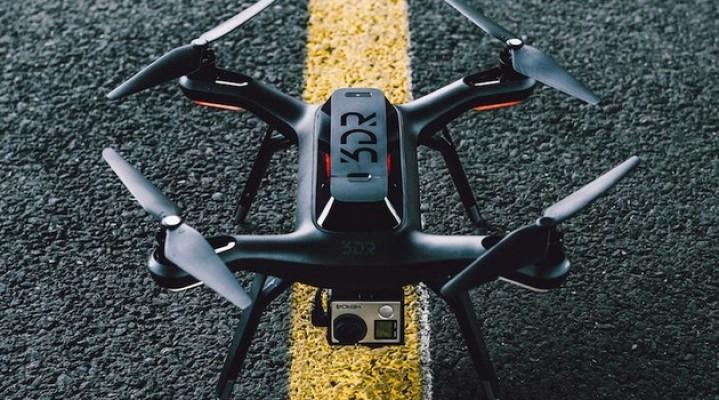 """3DR Solo, czyli """"Pierwszy na świecie inteligentny dron"""""""