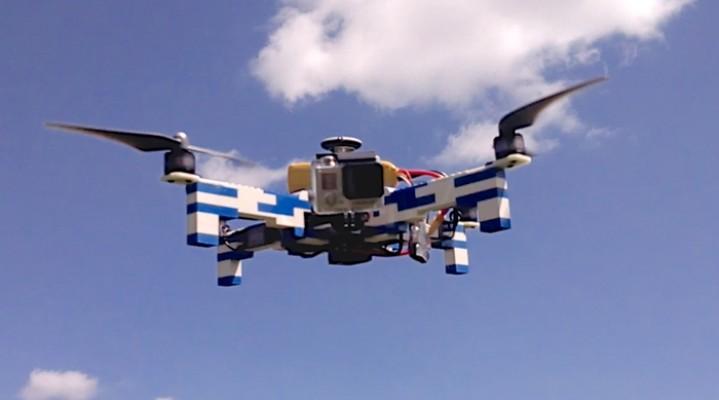 Dron z klocków lego. Poleci?