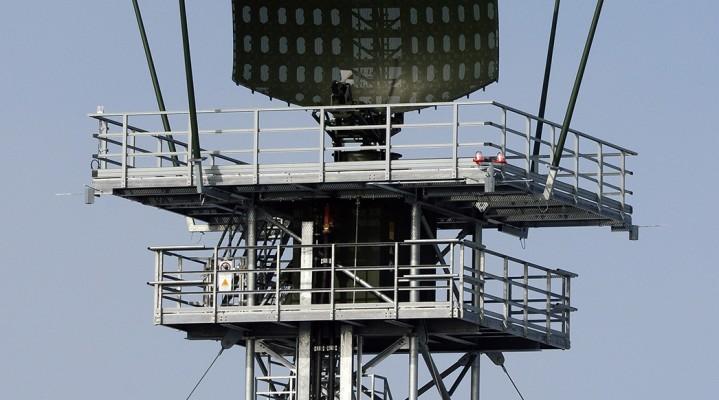 Nowy radar ASR-NG firmy Airbus Defence and Space wykryje i sklasyfikuje minidrony, a nawet ptaki.
