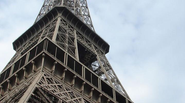Drony nad Paryżem. Znowu…