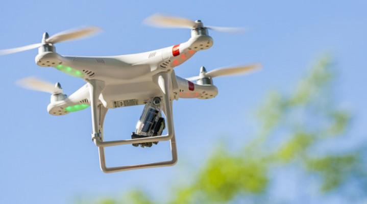 Drony dopilnują weselników, by Ci się nie pozabijali.